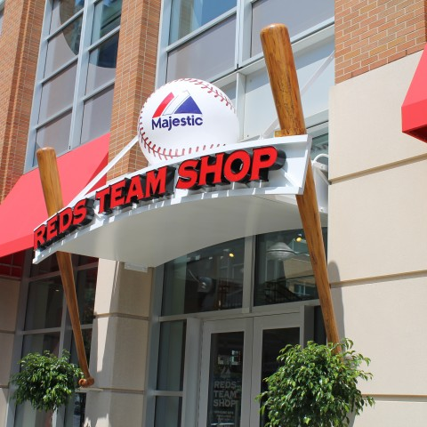 Reds Team Shop with Bat & Spinning Ball